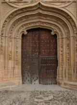 Portal de la Iglesia de Abalos